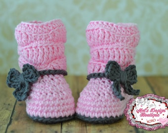 baby boots, baby girl boots, crochet boots, baby shower gift, boots, 0 3 month slouch boots, baby shoes, baby booties, pink