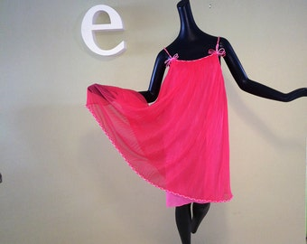 Vintage 50s 60s Vanity Fair Nightie Hot Pink Night Gown Nightgown 1950s 1960s Rockabilly Pin Up Pinup Bombshell Burlesque Lingerie Peignoir