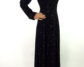 Stunning 70s Does 40s Black Anne Reeves Crepe Maxi Dress With Sweetheart Neckline And Glitter Print Detail In Size Small