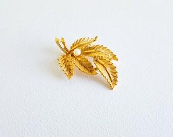 Vintage Jewelry Midcentury Jewelry Gold Pin Large Flower Pin Brooch Gold Pearl Jewelry Gold Pearl Flower Vintage Pin Brooch BSK Jewelry Pin