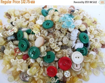 HOLIDAY SALE 40% Off Vintage or Antique Buttons...1+ Pound