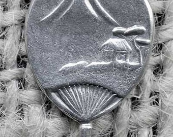 Delicate Vintage Silver Metal Asian Fan Charm