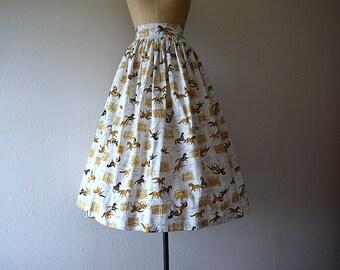 Vintage novelty print skirt . 1940s 1950s horse print skirt