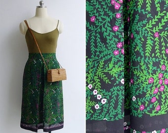 15% V-DAY WEEK Sale - Vintage 80's 'Secret Garden' Floral Vine Scarf Print Skirt Xs