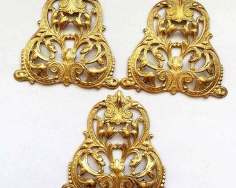 Leafy Centerpiece, 3 Piece,  Vintage Jewelry Supplies, Triangular Dapt Design, US Made, Nickle Free, Bsue Boutiques,  45 x 46mm, Item02838