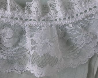 "De stash Lace Trim Wide White Ruffled lace 9 continuous yards 4 1/2 "" wide 80s lace Home Sew"
