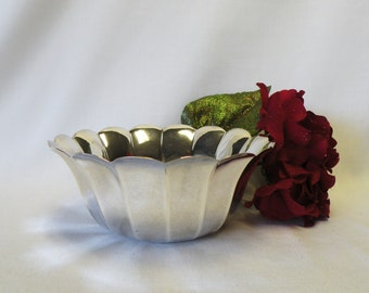 Silverplate Scalloped Bowl - Silverplate Serving Dish or Vase - Wedding Decor, Home Decor, Holiday Server, Dining Room Accessory