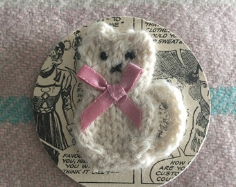 hand knitted Kitty Cat Brooch