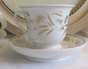 Antique French superb large cup and saucer in old Porcelain de Paris