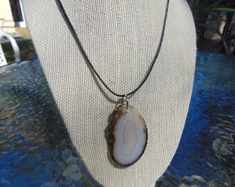 """2"""" White  and brown Sliced Agate Pendant"""