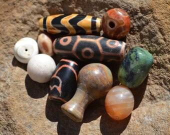 Lot of dzi & other gemstones  DZL362