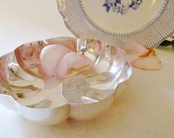 Vintage Gorham Nut Dish, Silver Candy Dish, Silver Scallop Bowl, Gorham YC3202, Silver Plate Serving Bowl, Wedding Silver