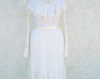 Vintage 1970's Victorian Gunne Sax Jessica McClintock Lace Praire Ivory Cream White Wedding Dress