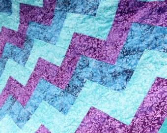 Batik Patchwork Quilt, Zig Zags Double / Twin Handmade by PingWynny