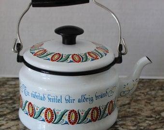 Berggren Trayner Scandinavian Teapot Tea Pot & Floral Enamelware CUTE!