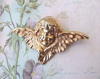 Charming Little Vintage Angel Brooch