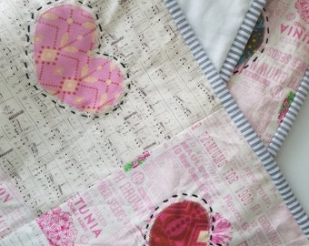 HURRY PRESIDENTS DAY Sale Wall Hanging - Baby Playmat - Anna Maria Horner Quilt - Heart Quilt