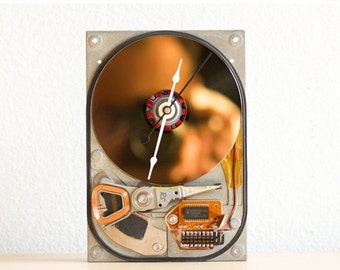Desk clock made of a recycled rare Computer hard drive - rarity HDD clock - ready to ship - c6787
