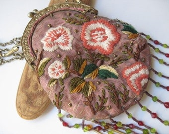 Vintage Wayne M Kleski 1920s Style Embroidered and Beaded Purse with Gold Chain