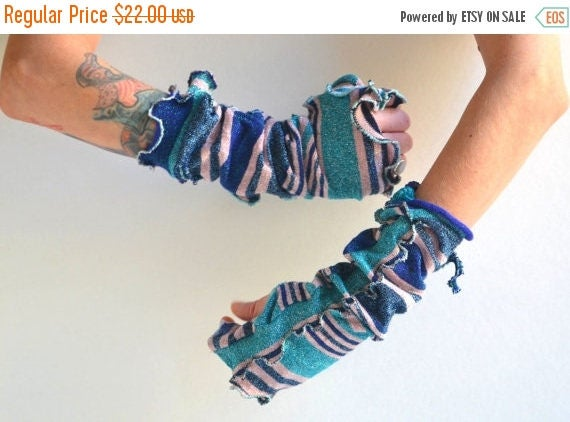 SUMMER SALE Upcycled Fingerless Arm Warmers - Fingerless Arm Warmers - Vintage Inspired