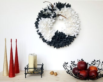Modern wreath, greenery wreath, modern door wreath, winter wreath, Christmas wreath, front door wreath, felt floral wreath