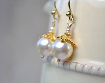 Pearl Gold Earrings, Gold Vermeil Dangle Earrings, Swarovski Pearl Jewelry, Ivory Pearl Earrings, Pearl Anniversary, Pearl Wedding Earrings