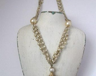 vintage necklace of gold toned chains and faux pearls, 16 inches long, Hollywood Regency, Old World Charm, rosesandbutterflies