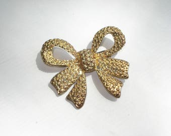 Vintage Bow Brooch - Thick Gold Costume Jewelry Pin - 1960s
