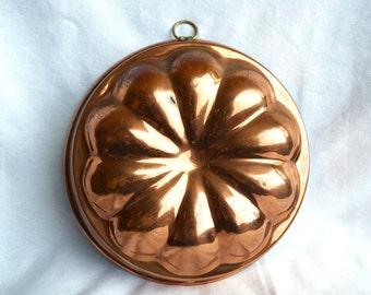 Vintage copper mold...copper pan...copper cake pan…flower design.