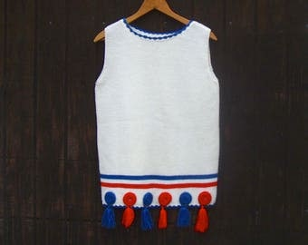 Fourth of July Top .  Patriotic Red White & Blue Knit Sweater Shell with Tassels . USA . 60s 70s Vintage