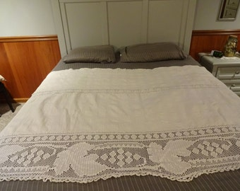 Vintage White Cotton Coverlet Throw with Hand crocheted Edge