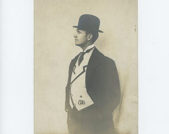 Vintage Photo 5x7: A Handsome Man with a Fine Waistcoat, Early 1900s (73558)