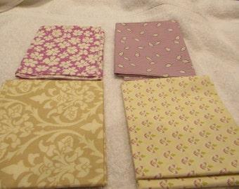 Fat quarter bundle with 4 FQs in lavender and beige Moda B1