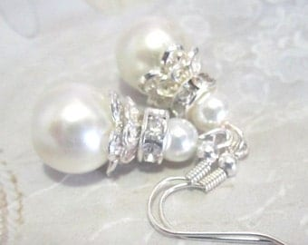 White Bridal Earrings, Pearl Earrings with Crystal and Rhinestone, Wedding Earrings, Bridal Jewelry, Beaded Bridesmaids Earrings
