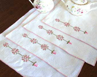 Placemats Embroidered - Linen Placemats - Unique Placemats Set - Linen Table Cloths - Flowers White Pink - Wedding Home Decoration
