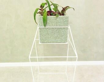 Diamond  stands for flowerpots -  M