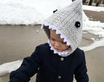 Crochet Shark hood, kids shark hood, shark hat, baby shark cap, toddler hood, child hood, kids crochet hat, crochet toddler shark hood