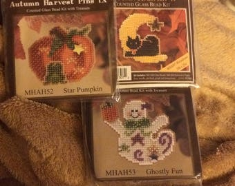 Cross Stitch Bead Kits Mill Hill Glass Beaded Autumn Harvest Pins With Everything Needed To Complete New And Unopened