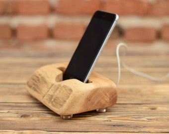 Wood iPhone station, Samsung Galaxy S6 dock, Handcrafted phone stand, Natural wood iPhone 6 holder, Cool gift, Tech Accessory, Charging dock