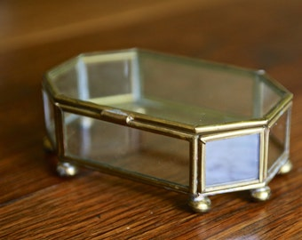 Vintage 8 sided brass cased glass miniature curiosity box