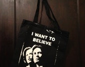 Screen Printed Tote Bag of Scully and Mulder from X Files I Want to Believe