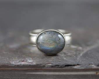 Labradorite Ring. Natural Labradorite. Gemstone Ring. Sterling Silver Ring. Metalsmith Ring. Decorative Band Ring. *custom made