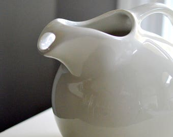 White Stoneware Pitcher Hall 633 1950's Ball Shape With Ice Lip