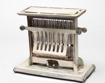Vintage Antique Universal Toaster