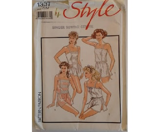 """Part UNCUT Style #1337 Vintage Lingerie Silk and Lace Camisole and French Knickers Sewing Pattern Size Small UK 10-12 Bust 32.5""""-34"""""""