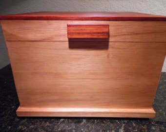 Custom Made Solid Spanish Cedar Cigar Humidor with Spanish Cedar Removable Tray and Paduak Top and Handle, Cedar Trays