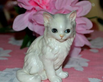 Vintage Lefton White Cat Figurine # 1513