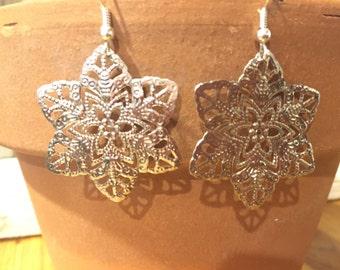 Silver Flower filigree earrings - lightweight