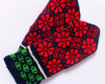 Hand knitted wool Mittens with patterns. Gift mittens with flowers patterns. Warm wool mittens. Warm winter wool mittens.