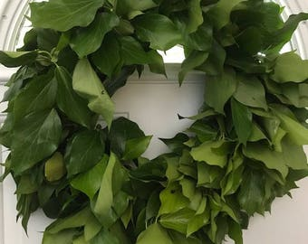 Bush Ivy Wreath- 20 inches